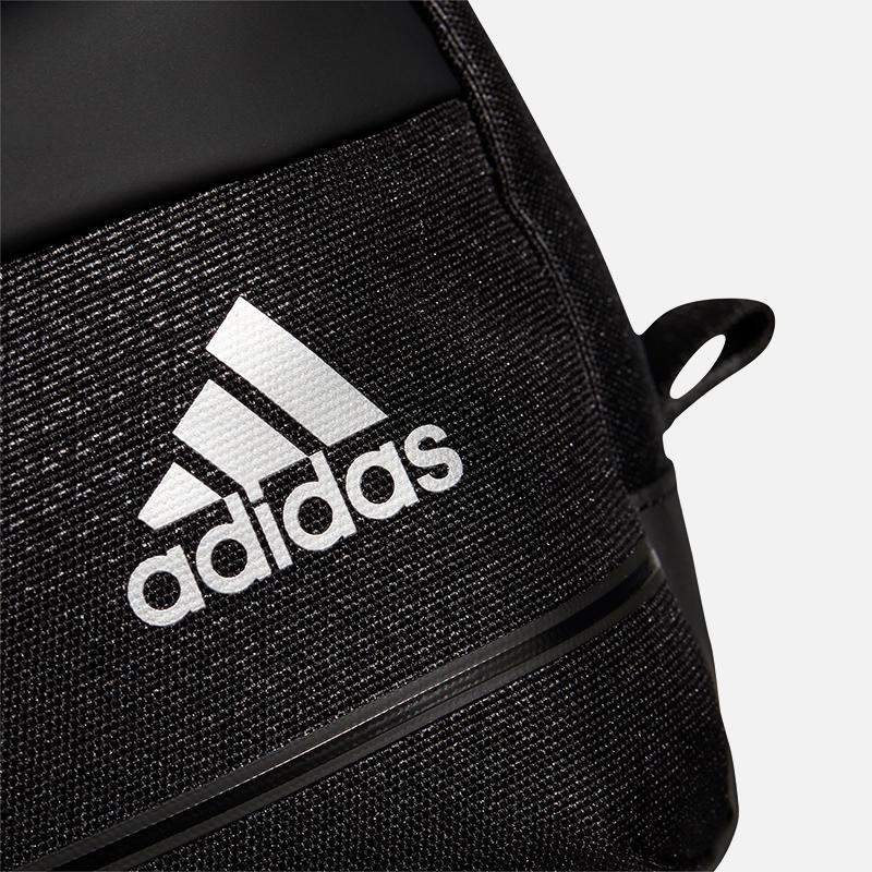 adidas-golf-pouch-detail