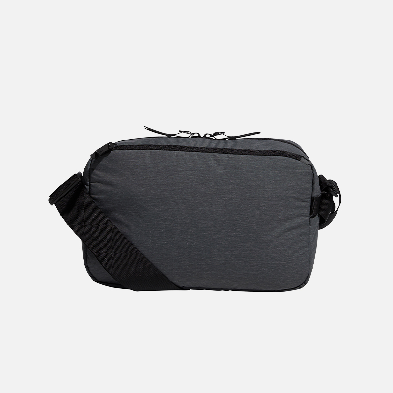 adidas-golf-travel-messenger-bag-back
