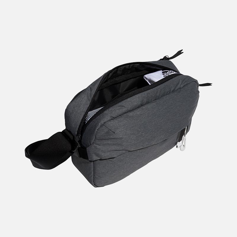 adidas-golf-travel-messenger-bag-inside